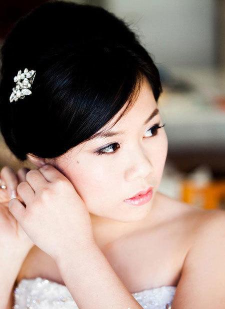 Cô dâu nào cũng mong mình xinh đẹp nhất trong ngày cưới.