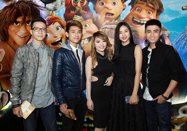 Ngô Thanh Vân cùng các học trò, nhóm 365 và ca sĩ Mia trong sự kiện tối qua.
