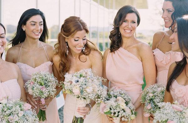 Kiểu tóc lộng lẫy cho cô dâu mùa xuân