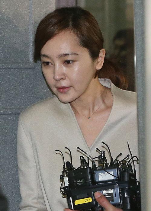 Tham dự phiên xử sáng nay là Hoa hậu Lee Seung Yeon. Cô cho biết việc mình dùng propofol hoàn toàn theo chỉ định của bác sĩ điều trị.