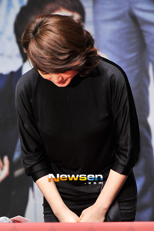 Nữ diễn viên xứ Hàn cúi đầu xin lỗi khán giả vì việc