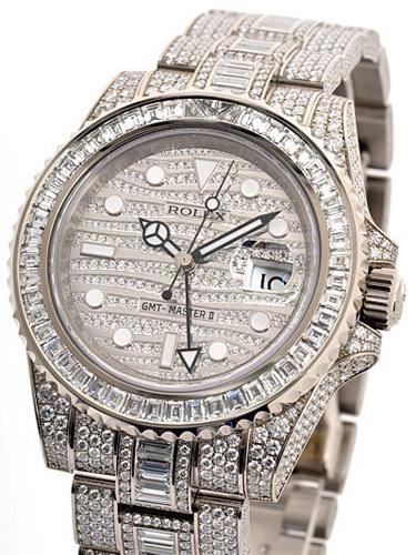Đồng hồ Rolex GMT 116769TBR trị giá 485.350 USD. Đây là mẫu đồng hồ đắt nhất do Rolex trực tiếp bán ra mà không phải qua hình thức đấu giá như các dòng đồng hồ khác. Chiếc đồng hồ này được gắn kim cương tỉ mỉ, phần dây đeo được làm từ vàng trắng 18 carat cũng được gắn toàn bộ kim cương.