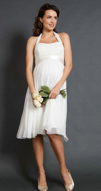 Bí quyết chọn váy cưới đẹp lung linh cho những cô dâu mang bầu 3