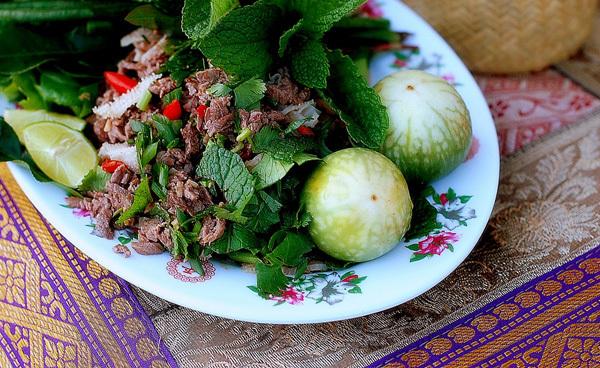Và đừng quên thưởng thức những món ăn ngon tuyệt chỉ có tại Lào.