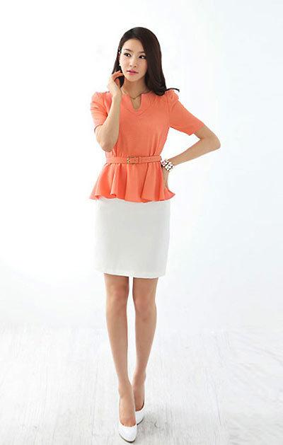 Bạn cũng có thể mặc áo dáng peplum với phần chiết eo hơi cao một chút.