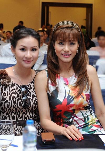 Người đẹp Tăng Huệ Văn và Băng Châu cũng đến dự buổi công bố.