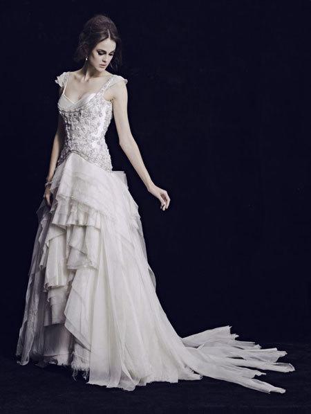 Bộ sưu tập váy cưới cổ điển