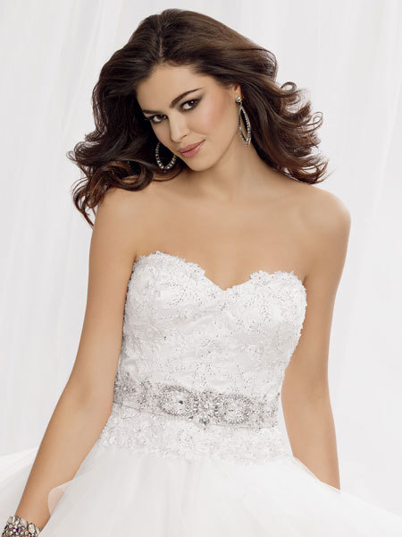 Váy cưới đa phong cách cho cô dâu