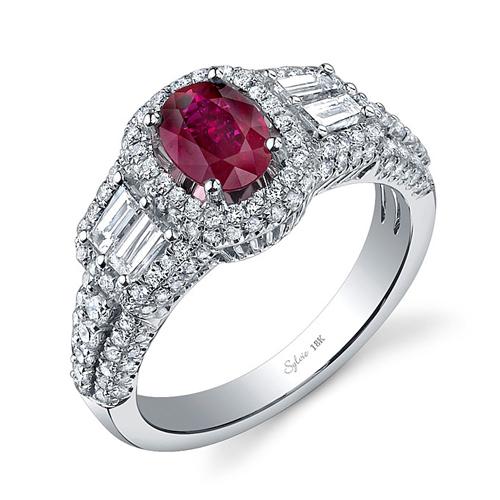 Hồng ngọc có sắc màu đỏ rực, phù hợp cho cô dâu lãng mạn và muốn nổi bật.