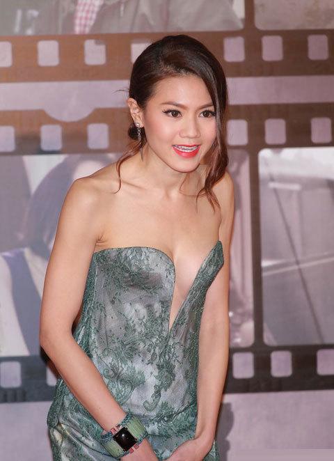 Người mẫu nội y Châu Tú Na
