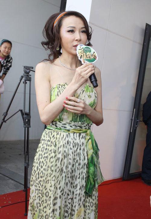 Trả lời phỏng vấn báo chí, Tiêu Tường cho biết cô rất kỳ vọng ở cuộc thi năm nay.