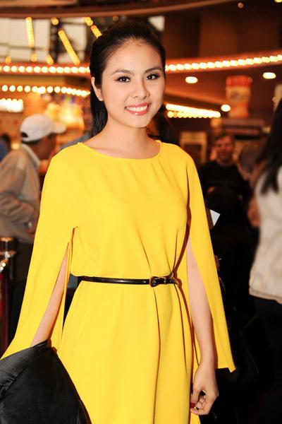 Nữ diễn viên xinh đẹp và rạng rỡ trong buổi ra mắt phim 'Thiên mệnh anh hùng'.