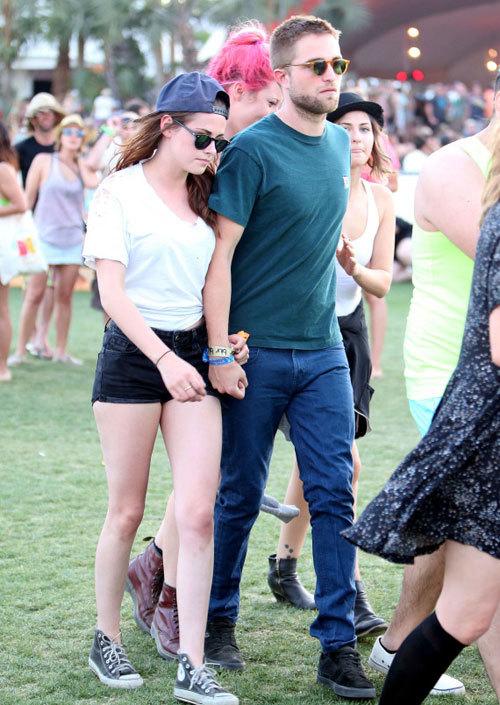 Robert Pattinson và Kristen Stewart tới festival âm nhạc ở