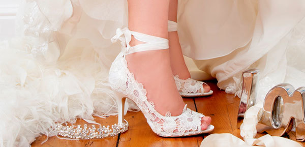wedding-shoes-and-bags-504472-1368239705
