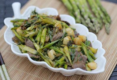 Măng tây xào thịt bò và cồi sò điệp