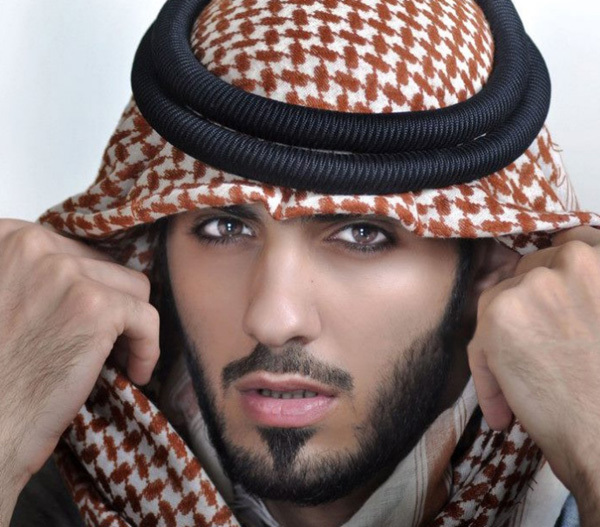 ... hay trang phục truyền thống của người Ả rập.