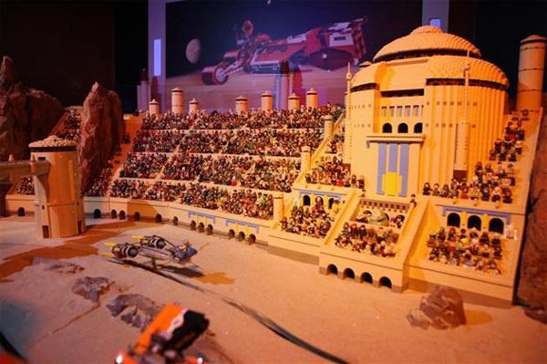 """Tái hiện hình ảnh của """"Star Wars"""" với 250.000 miếng xếp hình."""