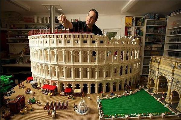 Đấu trường La Mã hoành tráng được tái hiện qua gần 200.000 miếng xếp hình.