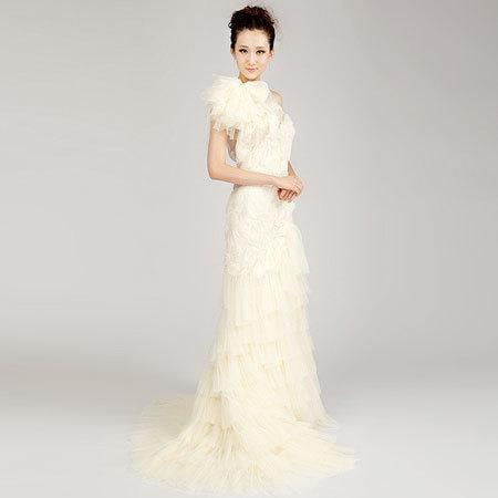 Giúp cô dâu chọn chiếc váy cưới hoàn hảo