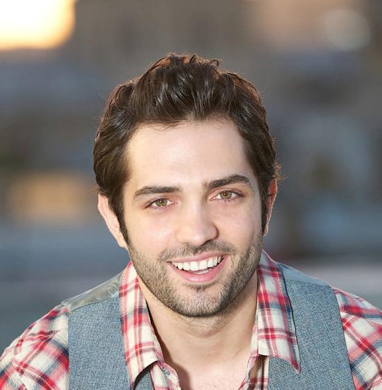 Anh được bình chọn là một trong những người đàn ông gợi cảm nhất Ả rập năm 2010.