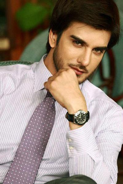 một diễn viên, người mẫu từ Pakistan.