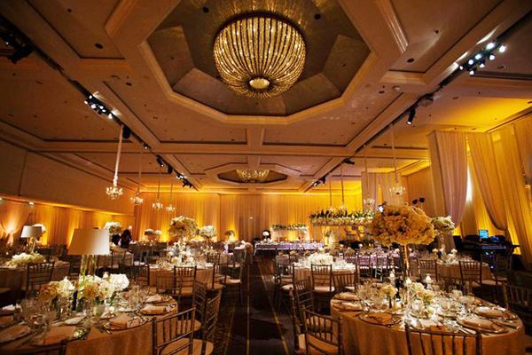 Toàn bộ không gian nơi diễn ra lễ cưới của Đan Trường và Thủy Tiên.