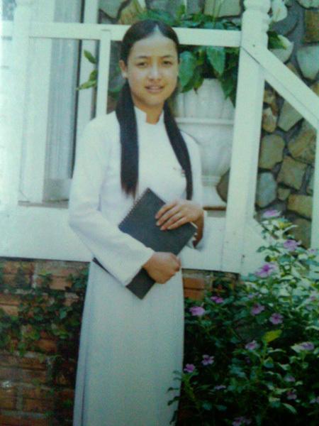 chụp năm Lê Bê La học lớp 12, sau đó cô thi vào trường sân khấu điện ảnh năm 2005. Bộ phim đầu tiên tham gia là phim Con đường sáng, đạt giải cánh diều bạc 2008.