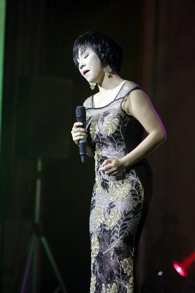 """Làm khách mời trong show """"Tình ca"""" của Quang Dũng lần đầu được tổ chức tại Hà Nội vào tối 27/4, Mỹ Linh"""