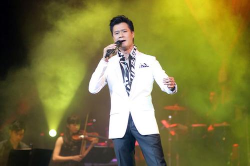 Với tính cách trầm lắng, Quang Dũng ít nói mà gửi gắm tâm sự của mình qua những nhạc phẩm nổi tiếng của Phạm Duy và Trịnh Công Sơn.
