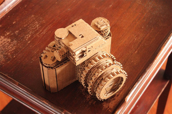 Chỉ cần sự khéo léo của đôi tay, bạn hoàn toàn có thể tự tạo cho mình một chiếc máy ảnh handmade.