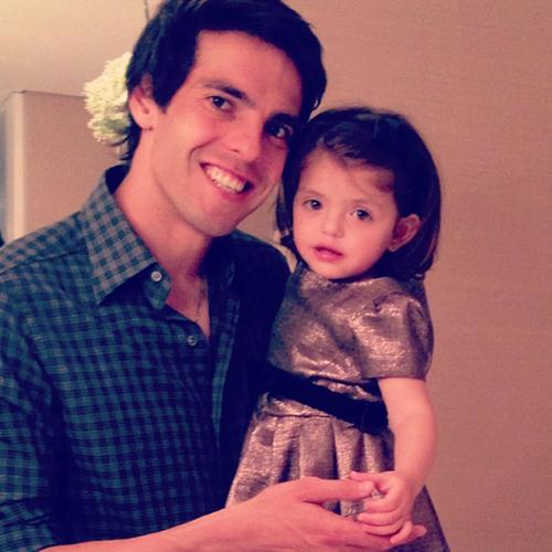 Kaka và cô con gái nhỏ Isabella.