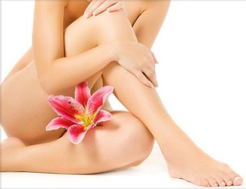 waxing1 578848 1368290711 600x0 Những lưu ý quan trọng khi tẩy lông vùng bikini