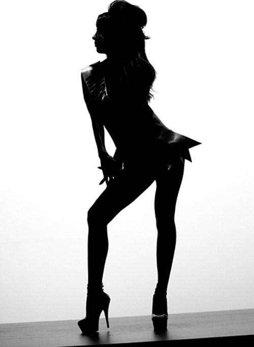 Những hình ảnh Lee Hyori trong vai thí sinh Miss Korea gây ấn tượng cho khán giả bởi vẻ sexy và tự tin.