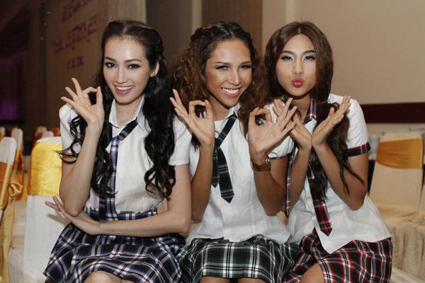 Tối 7/5, 3 người mẫu Trúc Diễm, Minh Triệu và Kim Dung tham gia trình diễn trong chương trình thời trang 'Phong cách trẻ'
