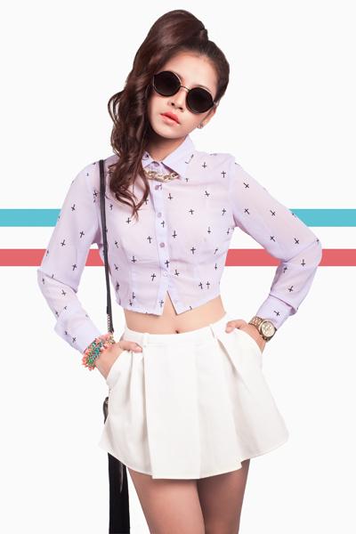 Hot girl Chi Pu là cái tên 'gây sốt' trên cộng đồng mạng thời gian qua. Cô được yêu thích bởi vẻ xinh xắn, đáng yêu.