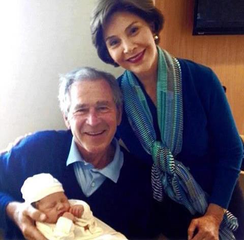 Tổng thống George W.Bush và phu nhân Laura Bush.