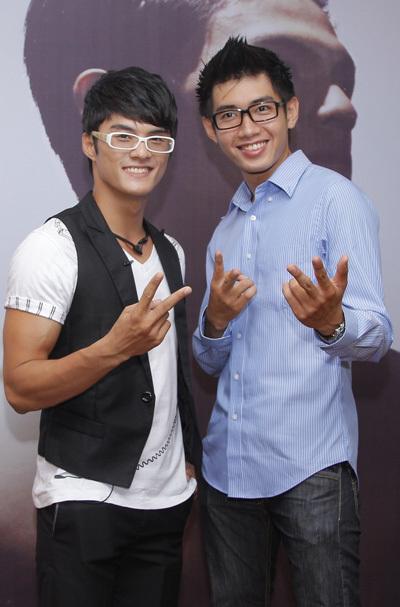 Lâm Vinh Hải hội ngộ Quang Đăng. Đây là hai vũ công được gọi là 'những chàng trai nhan sắc' trong giới.