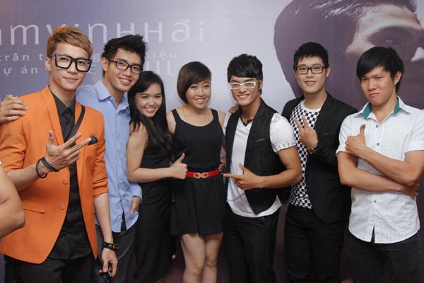 Các thí sinh từng tham gia 'Thử thách cùng bước nhảy' như Huỳnh Mến, Đoàn Trung Hiếu... cũng có mặt.