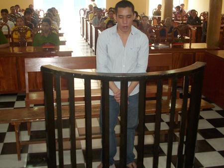 Do được đại diện người bị hại xin giảm án, Đen chỉ bị kết án 20 năm tù.