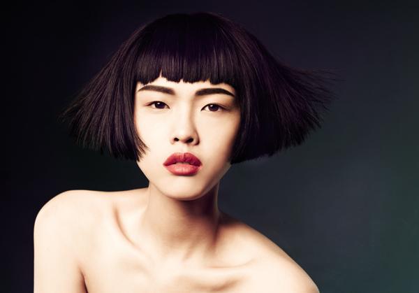 Người mẫu Singapore nổi bật với phong cách cá tính, ấn tượng.
