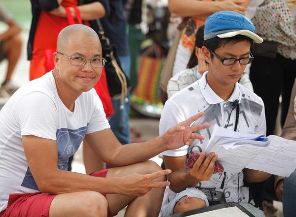 'Vừa đi vừa khóc' là bộ phim được đạo diễn Vũ Ngọc Đãng ấp ủ từ lâu, kể từ sau thành công vang dội của 'Bỗng dưng muốn khóc' cách đây 5 năm.