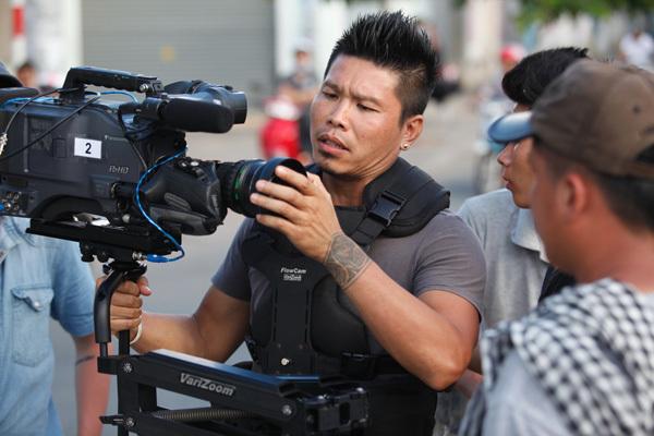 Nhà quay phim Nguyễn Nam là người cộng sự thân thiết với Vũ Ngọc Đãng. Anh chính là tác giả của những cảnh quay đẹp lung linh trong các phim trước đó như 'Bỗng dưng muốn khóc', 'Đẹp từng centimet', 'Ngôi nhà hạnh phúc'...