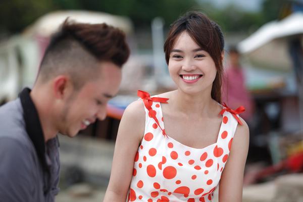 Ninh Dương Lan Ngọc - gương mặt được yêu thích từ phim 'Cánh đồng bất tận' cũng có một vai đáng yêu trong phim này. Cô sẽ đóng vai một cô thợ thêu ngây thơ, có mối tình đơn phương với chàng bán cá.