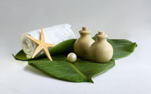 bạn có thể sử dụng những nguyên liệu mà mình yêu thích để xông hơi với khay đựng thảo dược được thiết kế rời bên ngoài.
