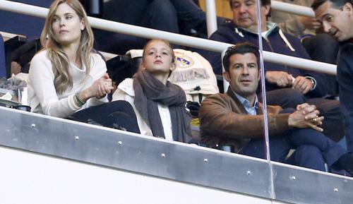 Vợ chồng cựu danh thủ Luis Figo cũng tới xem trận chung kết Cup Nhà vua