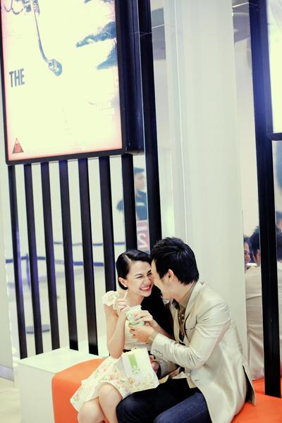 Thảo Nhi và MC Thiên Phúc vừa cùng nhau thực hiện bộ ảnh tại một rạp chiếu phim ở trung tâm TP HCM.