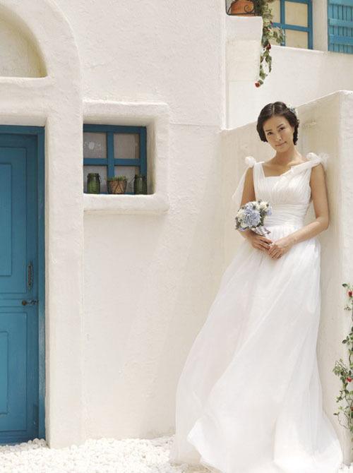 Cô dâu có dáng người đậm nên chọn váy