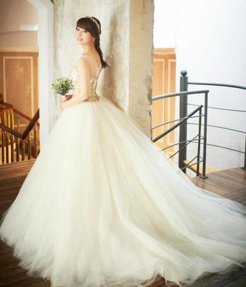 Váy cưới sát nách của Sun Ye, thủ lĩnh nhóm Wonder Girls