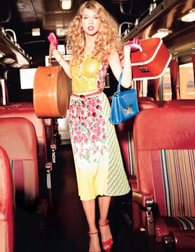 Không chỉ nổi tiếng về tài năng, nữ ca sĩ 22 tuổi này còn có một lượng fan khổng lổ bởi phong cách thời trang rất đẹp.