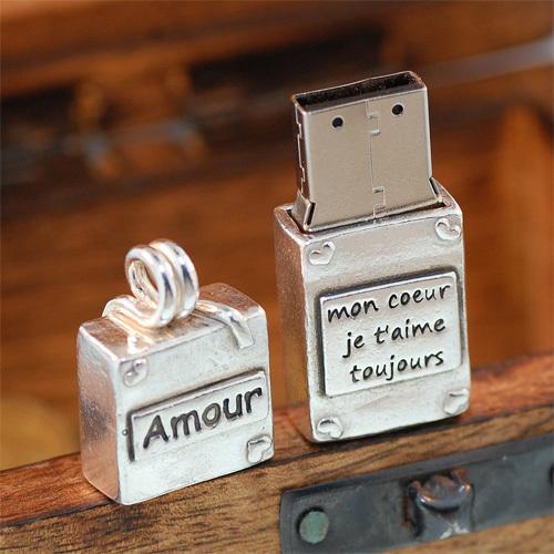 USB theo phong cách vintage.